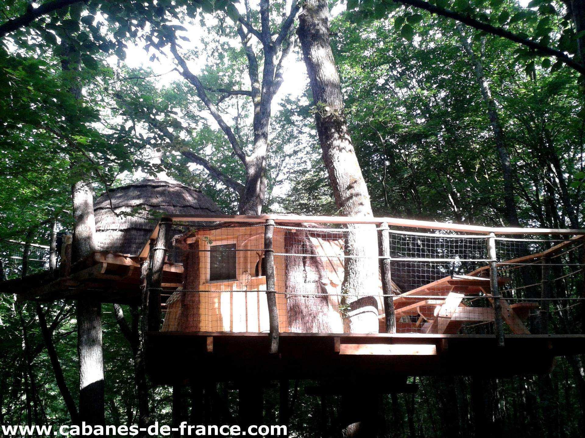 3 quercus les cabanes du bois clair cabane dans les arbres en franche comt cabanes de france. Black Bedroom Furniture Sets. Home Design Ideas
