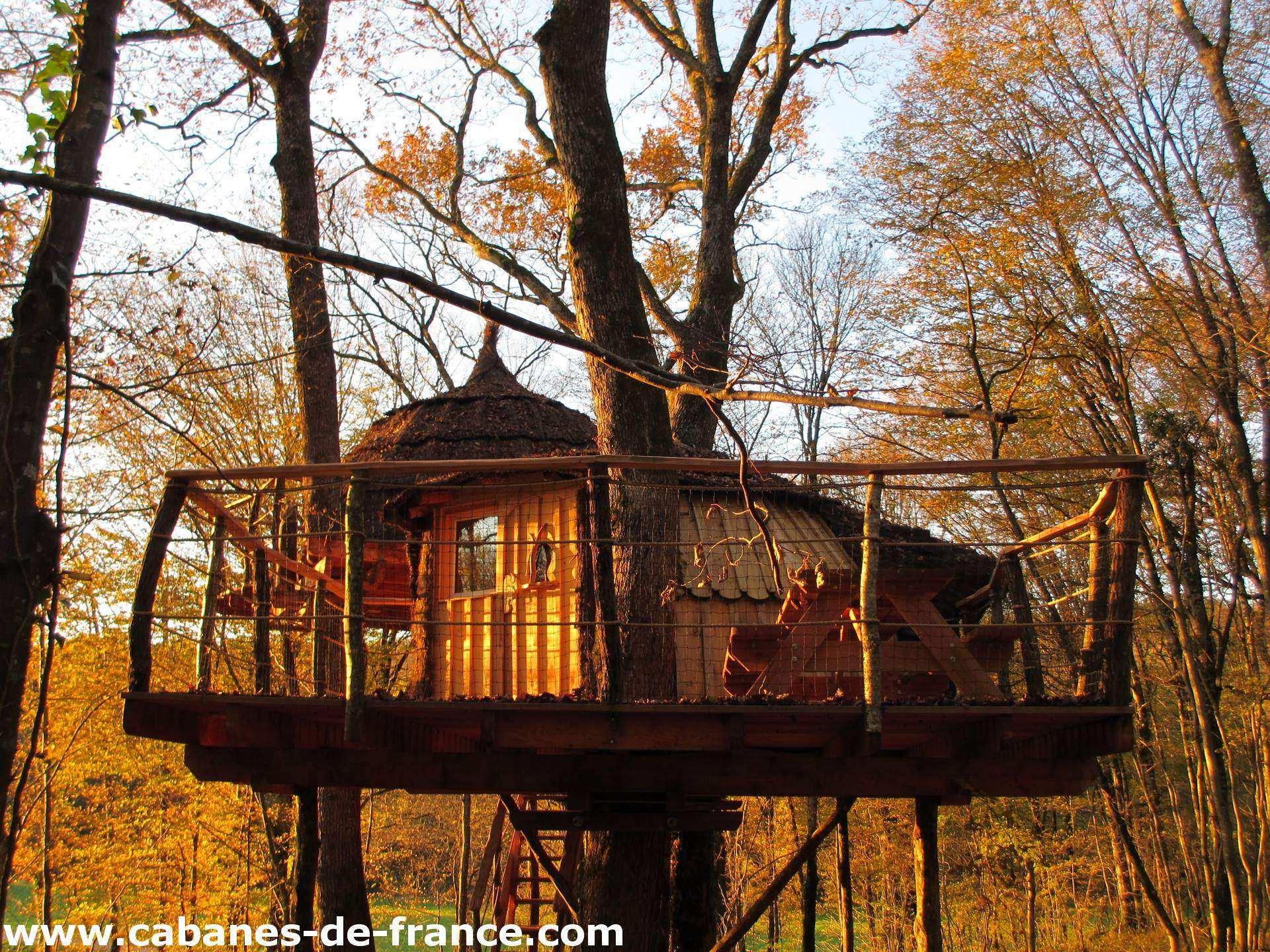 Cabane Du Bois Clair - Mandubienne Les Cabanes du Bois Clair Cabane dans les arbres en Franche Comté Cabanes de