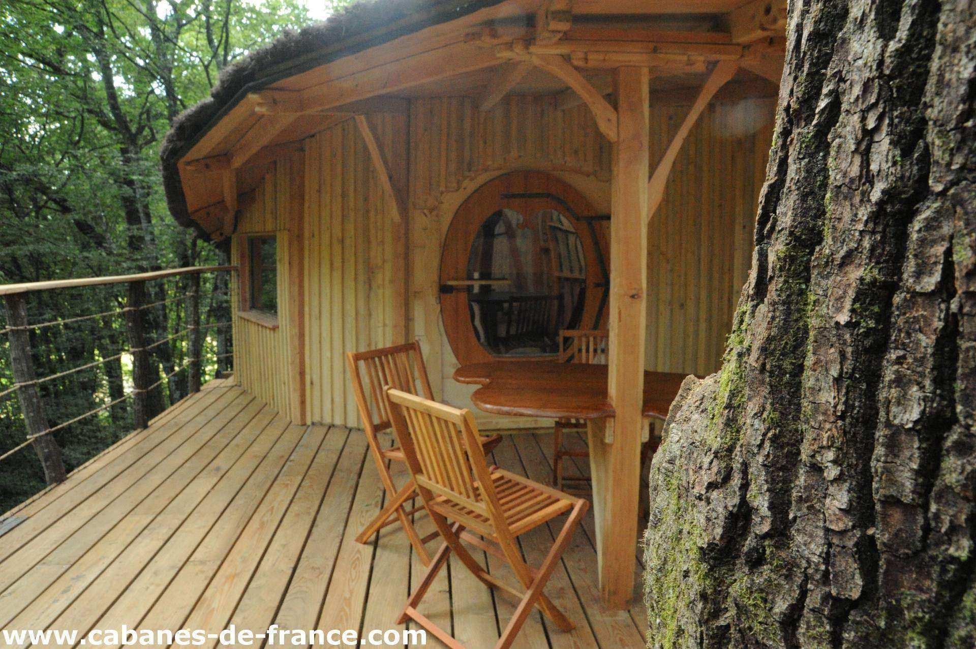 tad goz les cabanes du bois clair cabane dans les arbres en franche comt cabanes de france. Black Bedroom Furniture Sets. Home Design Ideas