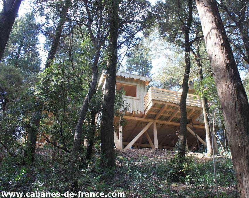 cabane tribu les cabanes dans les bois cabane dans les. Black Bedroom Furniture Sets. Home Design Ideas