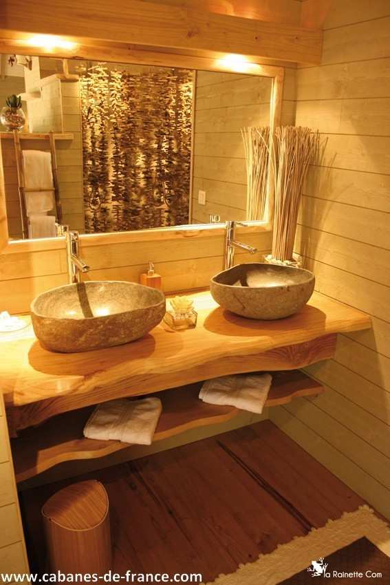 cabane luxe le clos st amand cabane dans les arbres en. Black Bedroom Furniture Sets. Home Design Ideas