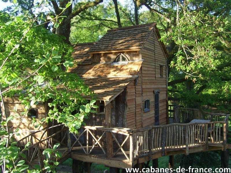 cabane de la margo cabane dans les arbres en limousin. Black Bedroom Furniture Sets. Home Design Ideas