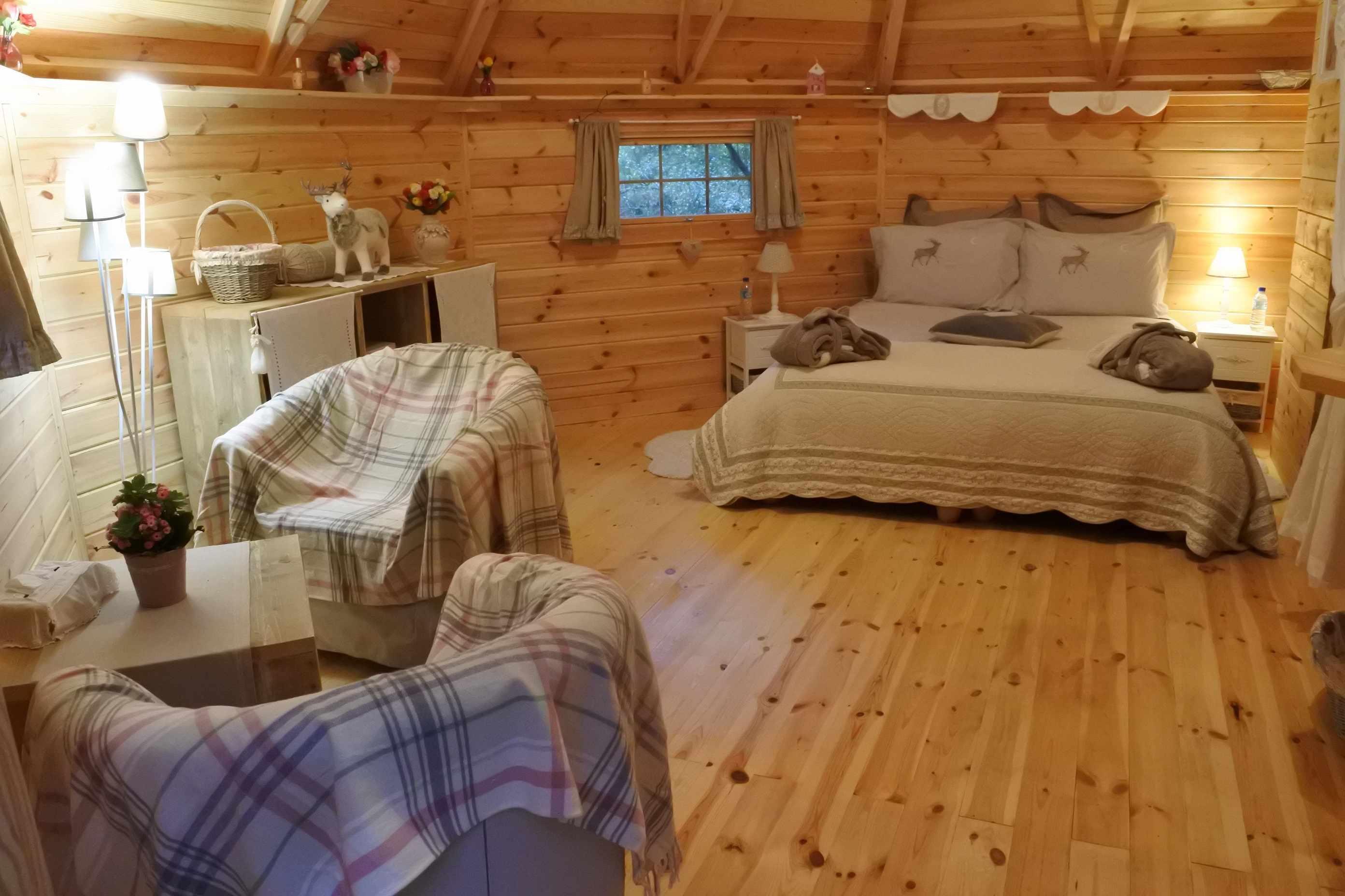 cabane Finlandaise ou Kota Cabane au sol Lodge en Aquitaine