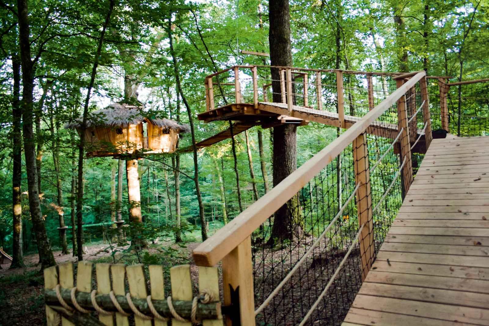 l 39 arbre cabane cabanes de france. Black Bedroom Furniture Sets. Home Design Ideas